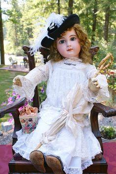 Stunning Emile Jumeau size 15 - Beautiful Bebes Antique Dolls #dollshopsunited