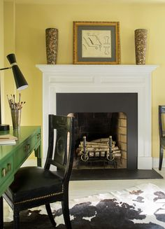 Light up that fire place and warm up the family room with this charming Hawthorne Yellow from Benjamin Moore. This color works for both modern and traditional spaces. Condo Living, Home And Living, Living Area, Traditional Fireplace, Corner House, Hawthorne Yellow, Living Room Inspiration, New Room, Cozy House