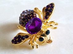 Hey, I found this really awesome Etsy listing at https://www.etsy.com/listing/238756403/rhinestone-bee-brooch-adorable-figural