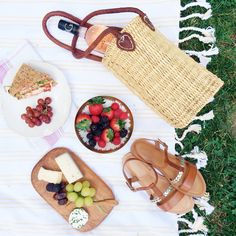 Picnics, Lakes and Engagement on Pinterest