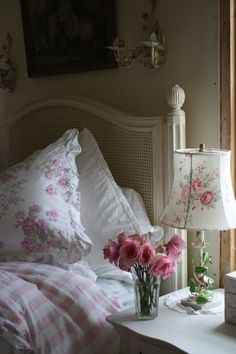living room - one only cushion matching with the lamp TIDBITS TWINE Flowers on Nightstand Fresh Ideas for Spring Decorating