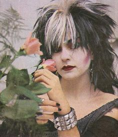 Who knew that goths were doing my black/blonde combo back in the 80s Goth, 80s Punk, Punk Goth, Vintage Goth, Dark Hair Bangs, Goth Subculture, Riot Grrrl, Black And Blonde, New Romantics