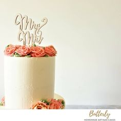 Buttercream Flowers, Floral Cake, Floral Wedding, Cake Decorating, Wedding Cakes, Place Cards, Artisan, Place Card Holders, Homemade