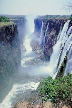 Famous Waterfalls in Zimbabwe