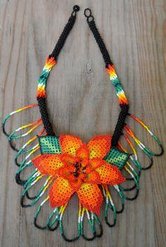 Collar Floral mexicano, hermoso arte huichol de Pure Love Mx por DaWanda.com