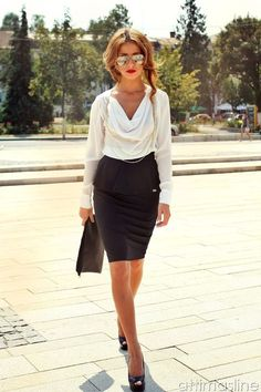Unique Summer work outfit ideas for women. Stylish but modest pencil skirt outfits suitable for wearing to work. Work attire for businesswomen, teachers, and . Office Fashion, Work Fashion, Business Fashion, Fashion Outfits, Gq Fashion, Petite Fashion, Daily Fashion, Business Casual Outfits, Office Outfits