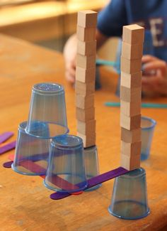 4 Engineering Challenges for Kids (Cups, Craft Sticks, and Cubes!) - Frugal Fun For Boys Challenge Feats of Balance. Make something stick out in an impressive Engineering Challenges for Kids Should you appreciate arts and crafts you will enjoy our info! Engineering Projects, Stem Projects, Science Projects, Engineering Challenges, Class Projects, Stem Science, Science For Kids, Math Stem, Easy Science