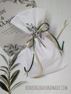 Μπομπονιέρα γάμου - Χειροποίητο πουγκί με μεταλλικό κλαδί ελιάς και σατέν κορδελάκια Διαστάσεις: 17 x 9.5 cm- Bonboniera Handmade Tableware, Dinnerware, Dishes