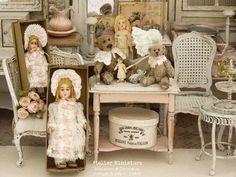 Atelier de Léa (@atelier.miniature) • Photos et vidéos Instagram Miniatures, Creations, Photos, Instagram, Decor, Dolls, Houses, Atelier, Pictures