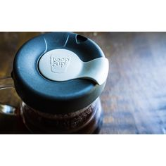 Just a friendly PSA: . When your @hario_japan decanter lid breaks fret not  your @keepcup lid fits perfectly snug. . Hario 500mL decanter. . Keep Cup 340mL. . #keepcup #hario #v60 #baristalife #lifeprotips #coffee #coffeehack #lifehack #pourover #manualbrewonly #manualbrew #slowcoffee http://ift.tt/20b7VYo