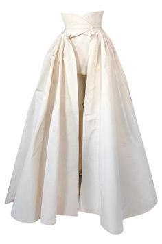 F/w 1996 givenchy couture runway ivory silk taffeta over skirt cape Taffeta Skirt, Silk Taffeta, Silk Skirt, Couture Skirts, Couture Tops, 1920s Outfits, Vintage Outfits, Vintage Clothing, Couture Details