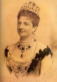 Queen Margherita of Italy in her famous emeralds