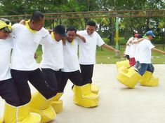 Building Games 355151120614844698 - Fun Games & Team Building – Picture of Taman Budaya Sentul City, Jakarta – TripAdvisor Source by bourdinpatricia Picnic Games, Camping Games, Outdoor Games For Kids, Games For Teens, Team Games For Kids, Youth Group Games, Family Games, Fun Games, Party Games