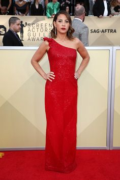 Elizabeth Rodriguez - Every Stunning Look from the 2018 SAG Awards - Photos