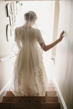 Vintage Inspired Bridal Veil from Erica Elizabeth Designs - By the time my girls marry, my dream is that my sweet farmhouse will be renovated in preparation for a moment such as this ....