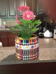 crayon flower pot teacher gift Used a short glass vase to glue crayons too and put a small clay pot inside it Short Glass, Small Flower Pots, Clay Pots, Crayons, Teacher Gifts, Glass Vase, Planter Pots, Gift Ideas, Flowers
