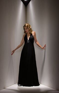 2015 Sleeveless Black V-neck Zipper Chiffon Ruched Floor Length Mother of the…