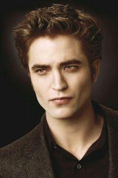 deadly for vampires but perfectly seasoned for me! Twilight Saga Series, Twilight Edward, Twilight Cast, Edward Bella, Twilight New Moon, Twilight Pictures, Twilight Movie, Saga Art, Male Fairy