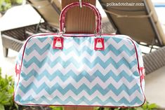 Roselee gives great tips for the Retro Travel Bag — Sew Can She | Free Daily Sewing Tutorials