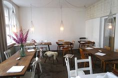 Lokal Berlijn: restaurant hotspot in Mitte   http://www.yourlittleblackbook.me/lokal-berlin/