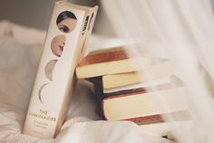 whimsy and books and sheets and sleepy afternoon lighting //