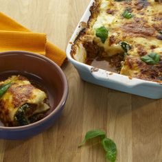 Breville Turn on Your Creativity: Layered & Spinach Cannelloni a delicious and satisfying Beef & Spinach Cannelloni We make the super feared béchamel sauce easy to ensure homemade meals are as painless as ever. Spinach Cannelloni, Cannelloni Recipes, Bechamel Sauce Easy, Sandwich Toaster, Cooking Appliances, Pasta Recipes, Meals, Dinners, Low Carb