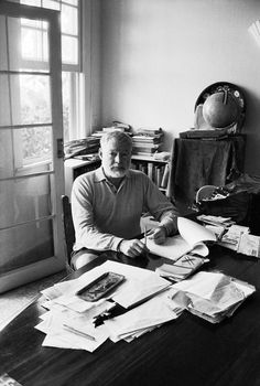 Ernest Hemingway, Cuba, ©Estate Jesse A. Ernest Hemingway, Hemingway Quotes, Hemingway Cuba, Scott Fitzgerald, Writers And Poets, Book Writer, Historical Pictures, Short Film, Black And White Photography