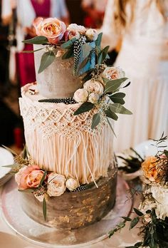 boho wedding cakes Bohemian wedding cakes should effectively co. - boho wedding cakes Bohemian wedding cakes should effectively complete your holiday - Floral Wedding Cakes, Wedding Cake Rustic, Fall Wedding Cakes, Elegant Wedding Cakes, Wedding Cake Designs, Wedding Cake Toppers, Boho Wedding, Wedding Flowers, Wedding Shoot