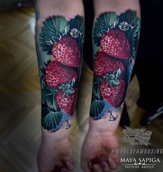 Realistic strawberries looking juicy and ready to eat. Tattoo by Maya Sapiga, an artist working in both Germany and Poland. Food Tattoos, Vine Tattoos, Strawberry Tattoo, Small Tattoos For Guys, Body Modifications, Tattoo Sketches, Color Tattoo, Arm Tattoo, Artist At Work
