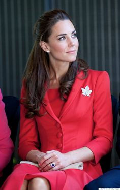 Kate Middleton Recycles Catherine Walker Look From 2011 Canadian Royal Tour Kate Middleton Latest, Kate Middleton Style, Kate Middleton Makeup, Princess Katherine, Catherine Walker, Kate Middleton Prince William, Prince William And Kate, Diana, Glamour