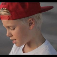 I love carsons hair Collor, i had it too but it's darker now :/ #carsonlueders #carson #carsonluedersgermany #cl #hair