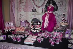 Glam fashion birthday party table.