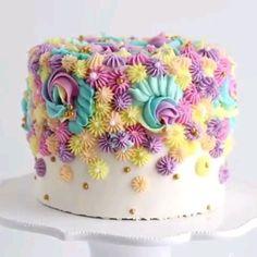 Cake Decorating Frosting, Creative Cake Decorating, Cake Decorating Designs, Birthday Cake Decorating, Cool Birthday Cakes, Cake Decorating Tutorials, Creative Cakes, Beginner Cake Decorating, Birthday Cake Designs