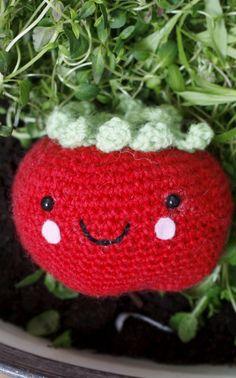 a tomato amigurumi for Novita magazine
