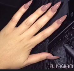Nude like nails