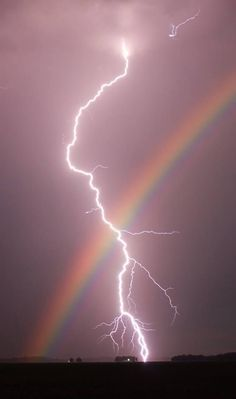 Nature doin it's own thing. This is also on my lightning board. Rainbows and lightning in one pic, had to go on both boards. Iphone Backgrounds Nature, Iphone Background Wallpaper, Tumblr Wallpaper, Wallpaper Desktop, Iphone Wallpapers, Aztec Wallpaper, Animal Wallpaper, Pink Wallpaper, Rainbow Wallpaper