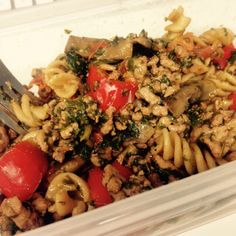 Turkey bolognese pasta - 90 daysss plan - The Body Coach - Cycle 2 Quick Healthy Meals, Healthy Eating Recipes, Healthy Food, Cooking Recipes, Lean In 15 Recipes Body Coach, Healthy Alternatives, Healthy Options, Turkey Bolognese Pasta, Joe Wicks Lean In 15