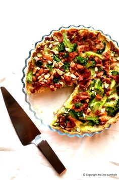 Broccolitærte med bacon og mandler3