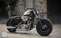 Harley Davidson Sportster, Harley Bobber, Bobber Chopper, Sportster 883, Cafe Racer Moto, Bobber Style, Brat Cafe, Custom Bikes, Old School