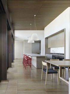 rustgevende-eetkamer-stoelen