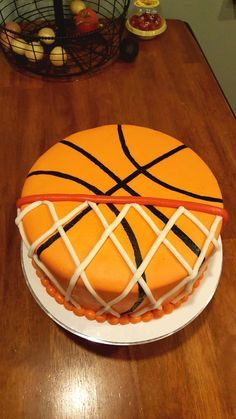 Basketball cake fondant - Fitness and Exercises, Outdoor Sport and Winter Sport Sports Birthday Cakes, Basketball Birthday Parties, Birthday Fun, Cake Birthday, Birthday Ideas, Sports Themed Cakes, Basketball Cookies, Basketball Decorations, Fondant Cakes
