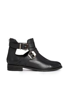 Enlarge ASOS ALONG SIDE ME Leather Ankle Boots size 8