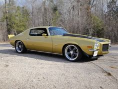 1970 Chevy Camaro - love the splint bumper design.