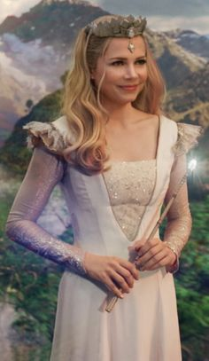 Michelle Williams in Oz the Great and Powerful. Costume Designer: Gary Jones