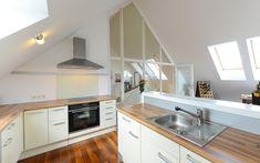 Herz ist die großzügige Living Area mit stilvoller offener Küche und Zugang zum sonnenverwöhnten XL-Terrassenbalkon. Kitchen Cabinets, Home Decor, Open Plan Kitchen, Kitchen Contemporary, Heart, Restaining Kitchen Cabinets, Room Decor, Home Interior Design, Dressers