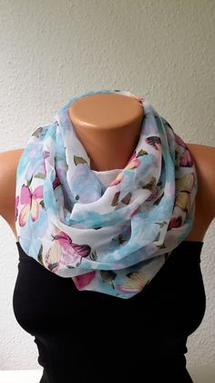 Pink Blue Floral Butterfly Scarf Spring Scarf door PrettyWomanMeli