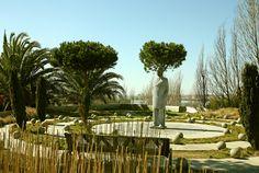 Parque dos Poetas - Construído em Oeiras e cheio de estátuas, serve de homenagem aos maiores nomes da Poesia em Portugal no Século XX. (+)