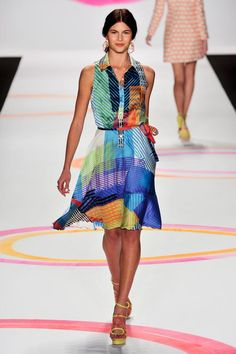 defile-desigual-pret-a-porter-printemps-ete-2014-photo-77.jpg (Image JPEG, 511 × 768 pixels) - Redimensionnée (82%)