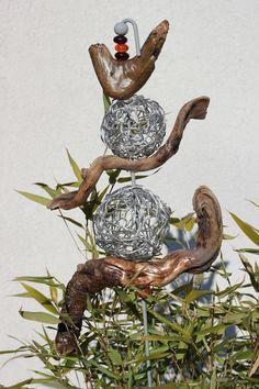 Gartenstecker aus Schwemmholz und Aludraht Christmas Ornaments, Holiday Decor, Diy, Creative Art, Driftwood, Crafts, Decorations, Craft, Xmas Ornaments