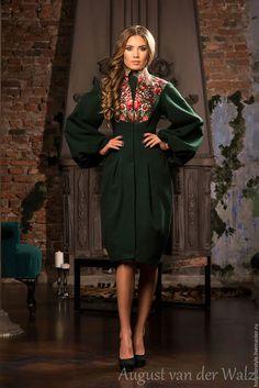 Дизайнерское пальто в Русском стиле, купить в Модном Доме August van der Walz  Эксклюзивные зимние и весенние пальто в Санкт-Петербурге.